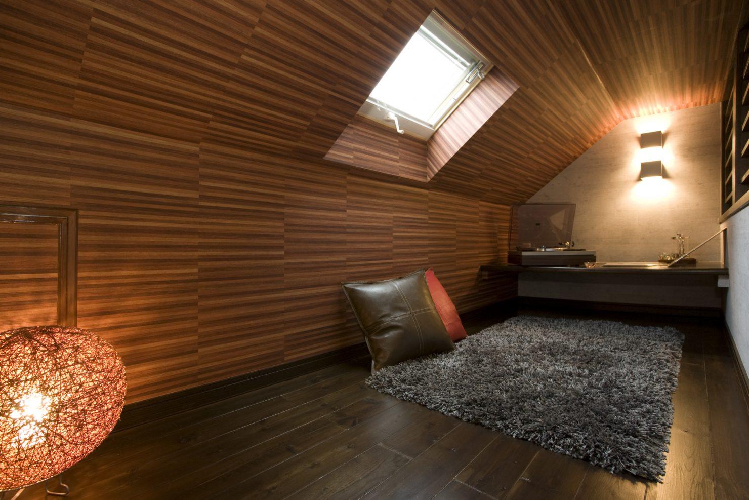 ハウスM21「ほぼ平屋の平屋風の住まい」小屋裏写真