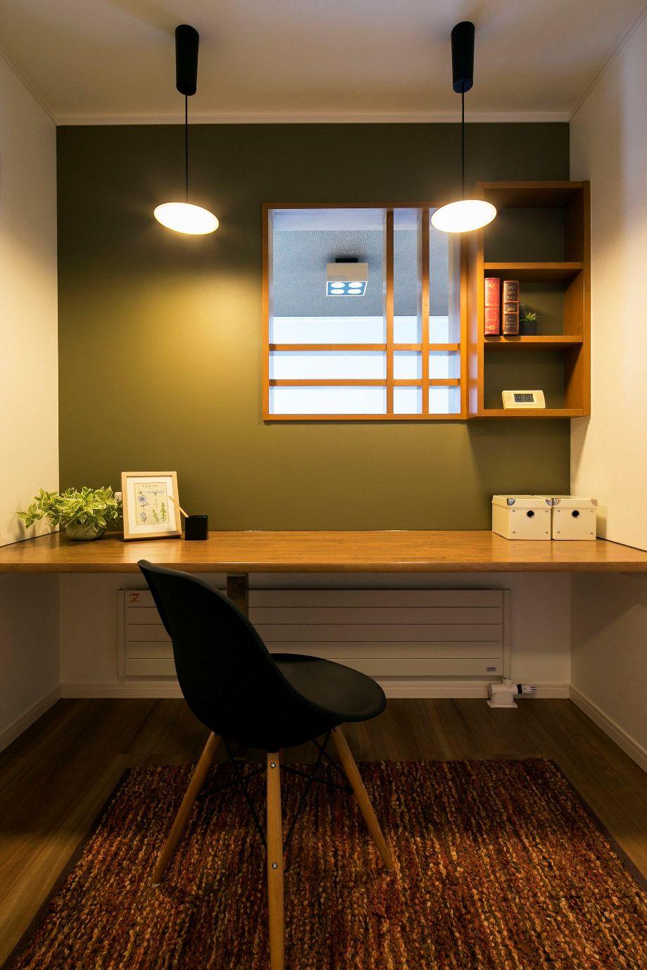 ハウスM21「新発想、中2階へ下りる主寝室」ワークスペース写真