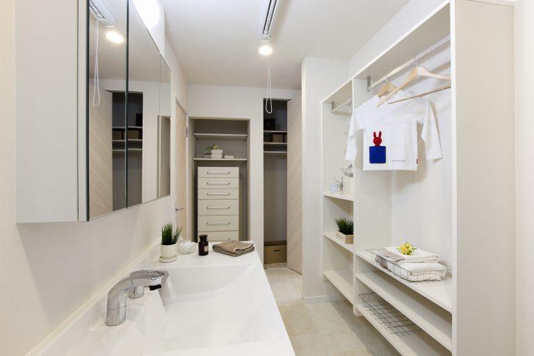 ハウスM21「すべての空間を有効利用したスキップフロアの家」ユーティリティ写真