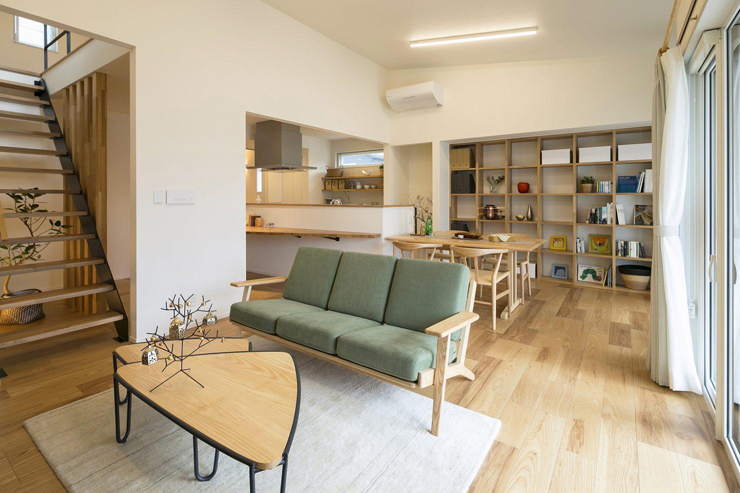 ハウスM21「時代に即した新たな形の「平屋」空間」リビング写真