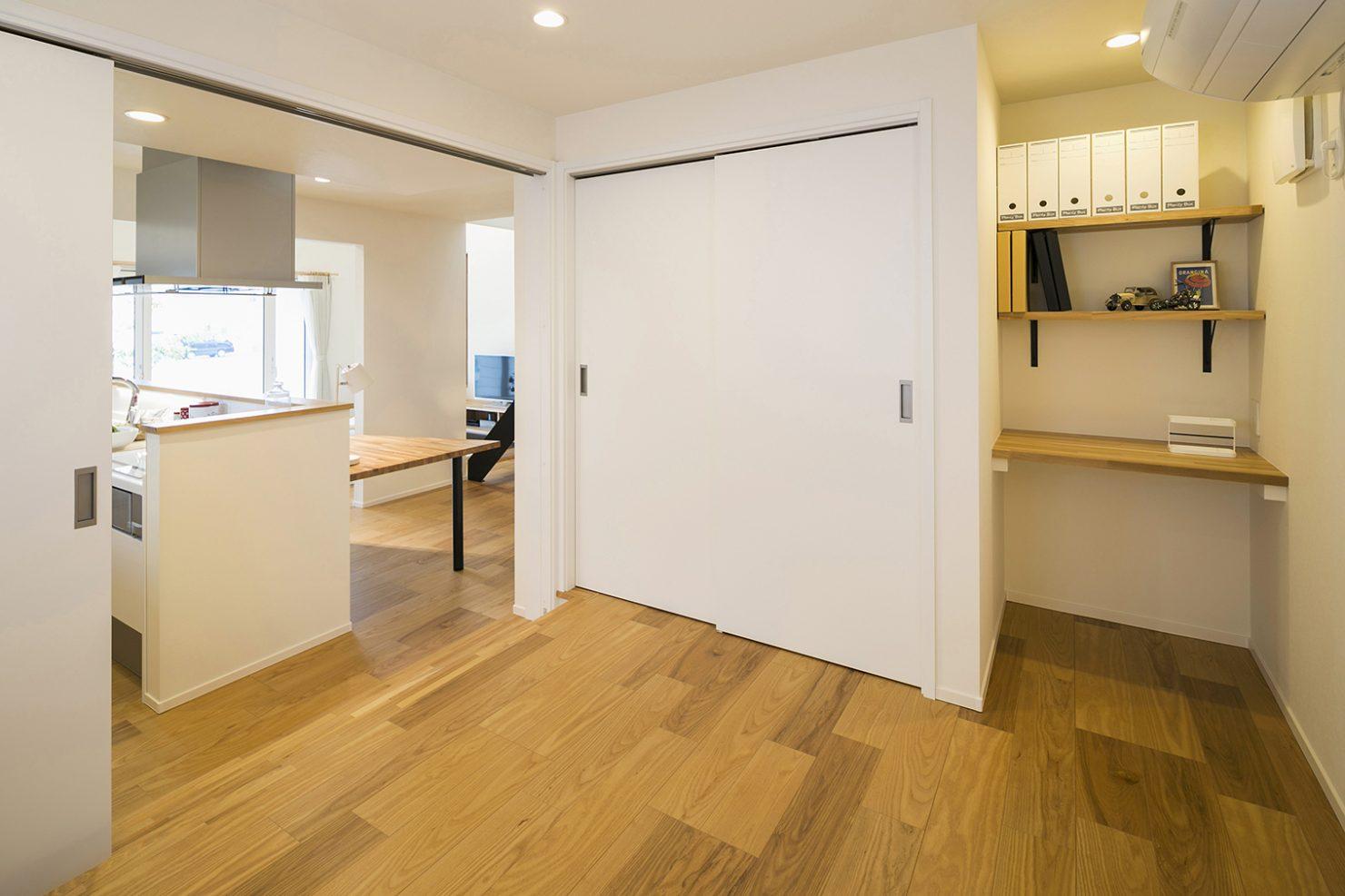 ハウスM21「時代に即した新たな形の「平屋」空間」寝室写真
