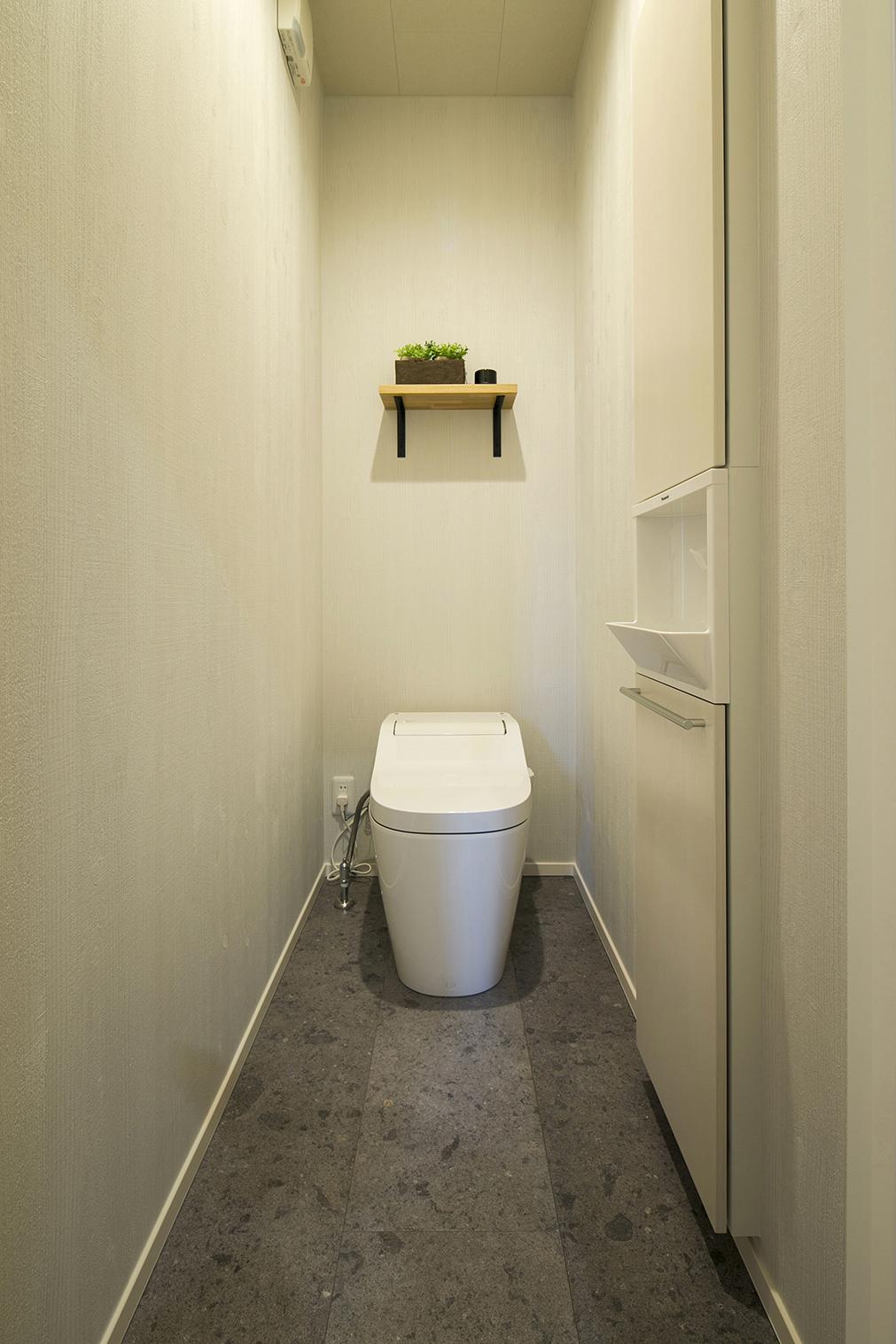 ハウスM21「時代に即した新たな形の「平屋」空間」トイレ写真