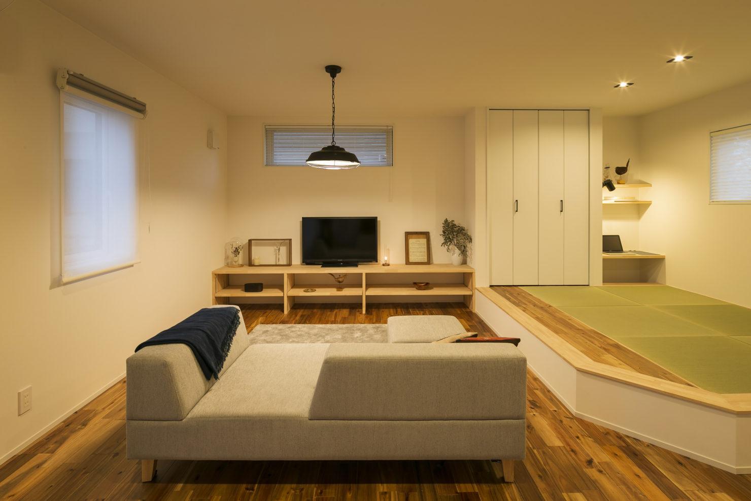 ハウスM21+archi「閉じる」から「開く」リビング和室写真
