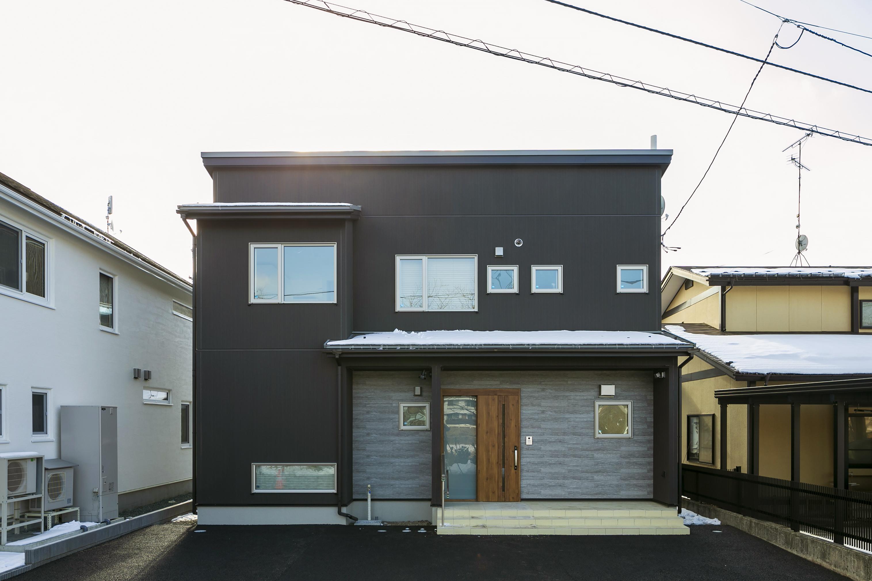 ハウスM21「朝・夕のゆとりを生む家事動線」外観写真