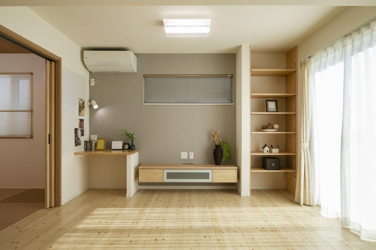ハウスM21「朝・夕のゆとりを生む家事動線」リビング写真