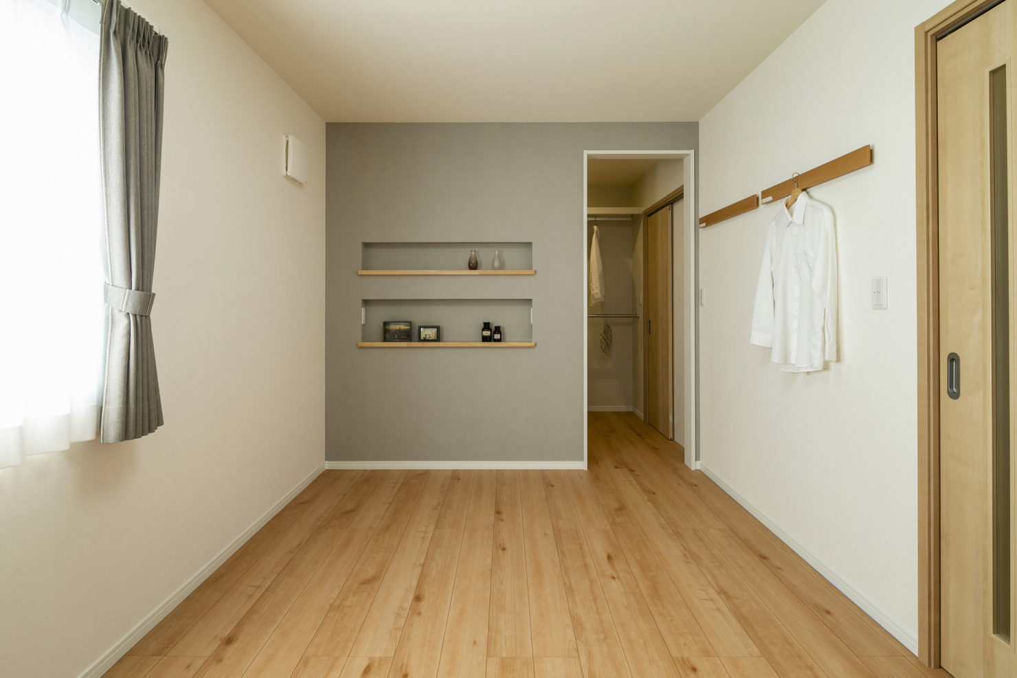 ハウスM21「朝・夕のゆとりを生む家事動線」寝室写真