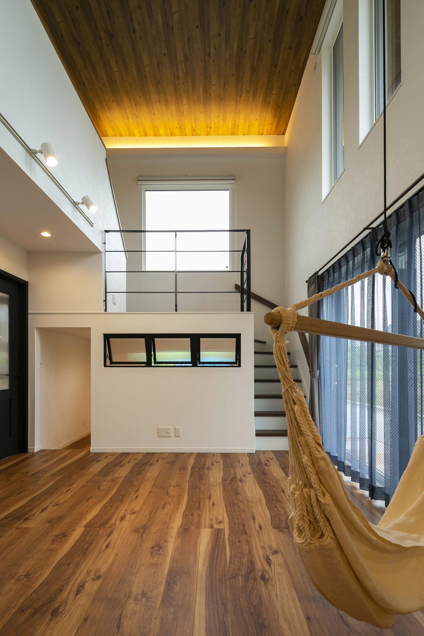 ハウスM21「実用的なオールラウンド動線と中二階などの面白い・楽しい空間」スキップフロア写真