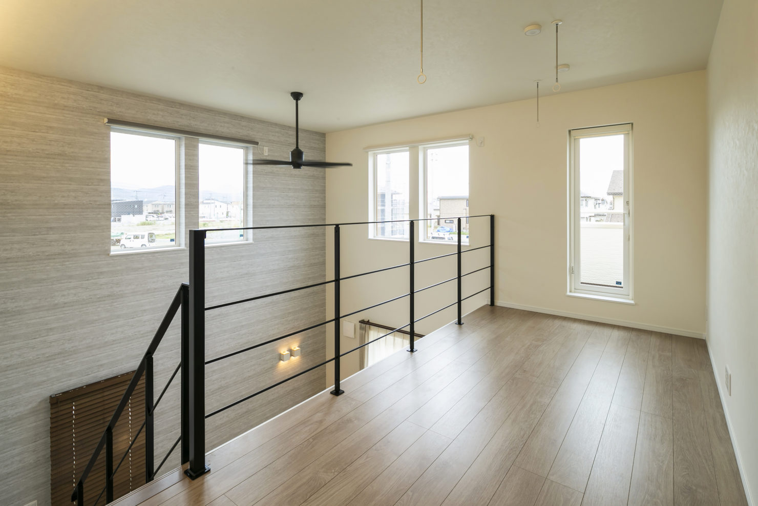 ハウスM21「片付けの習慣化でゆとりのある暮らし」階段ホール写真