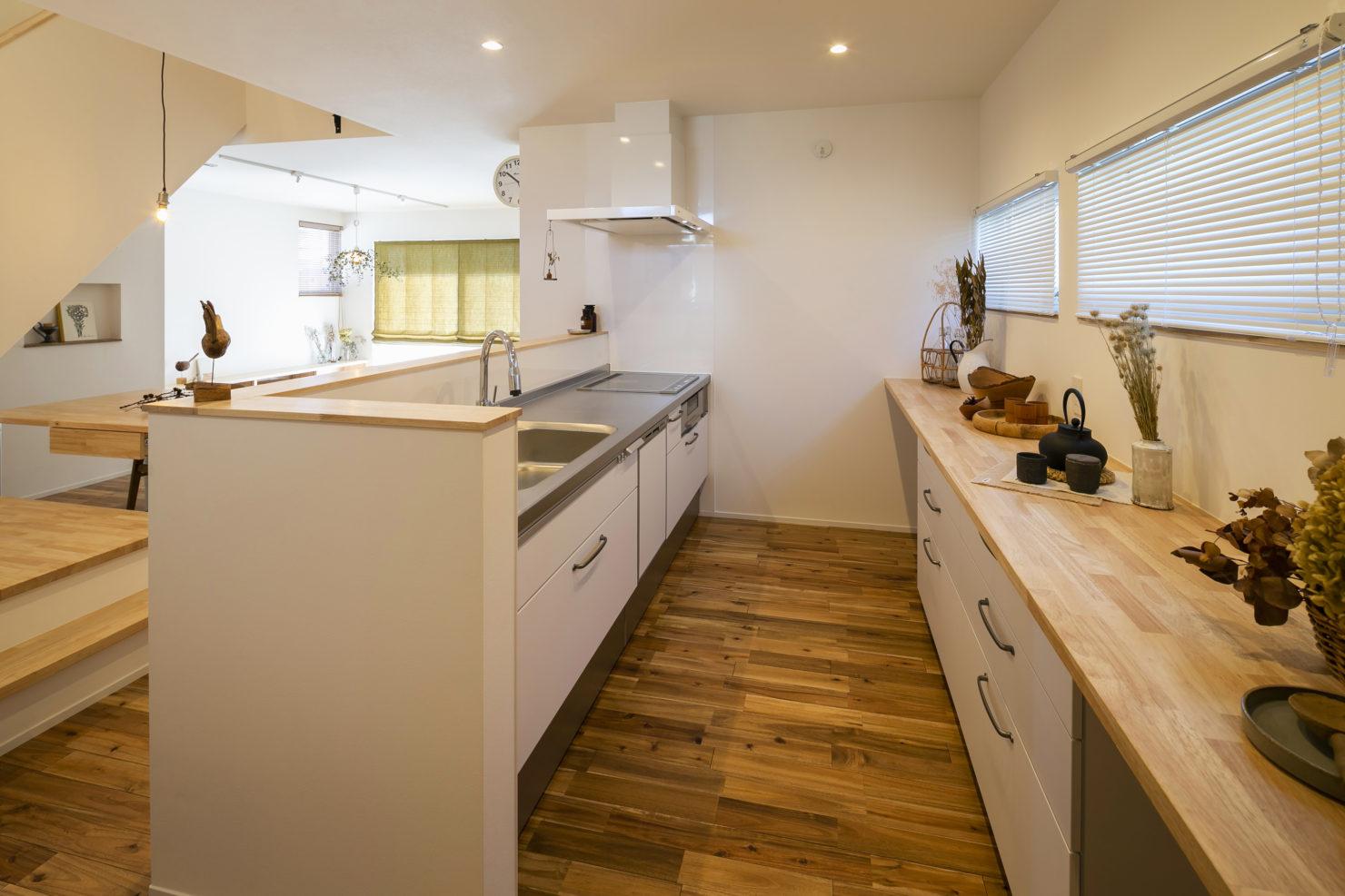 「周囲との関係性・持続性のあるデザイン」キッチン写真