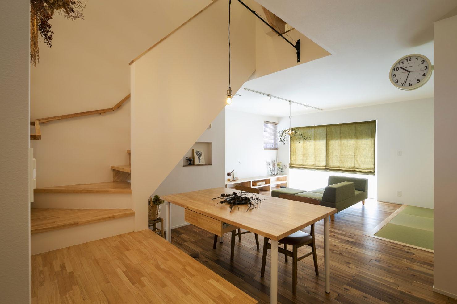 ハウスM21+archi「周囲との関係性・持続性のあるデザイン」ダイニング写真