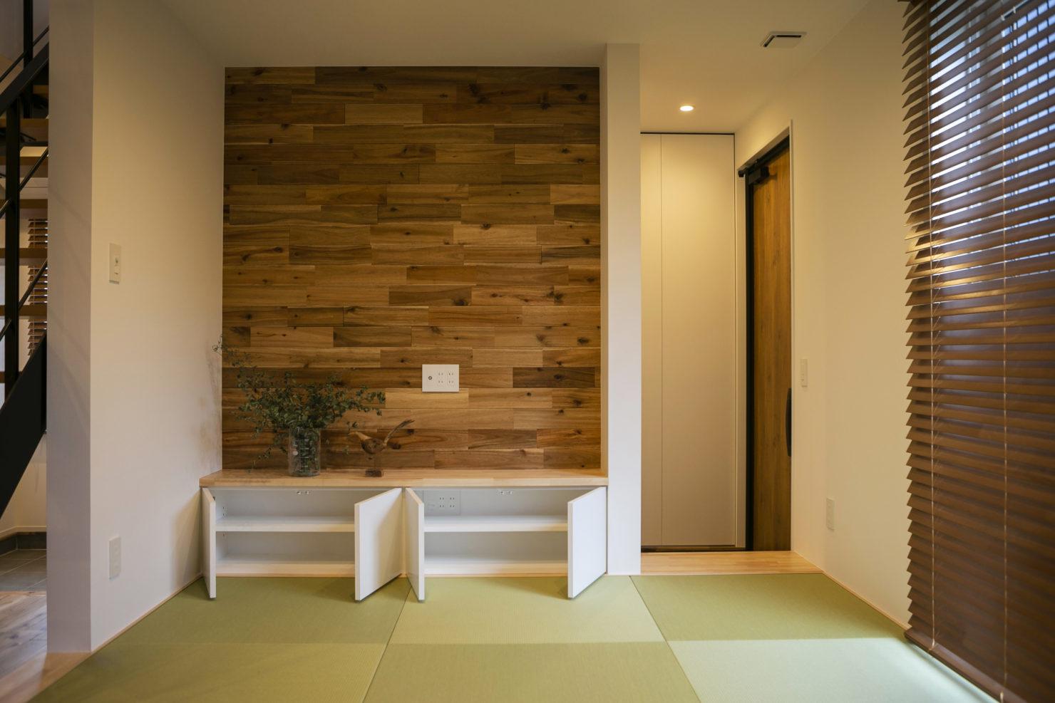 ハウスM21+archi「普段の生活で使いやすく、かつ広く見える工夫を」リビング写真