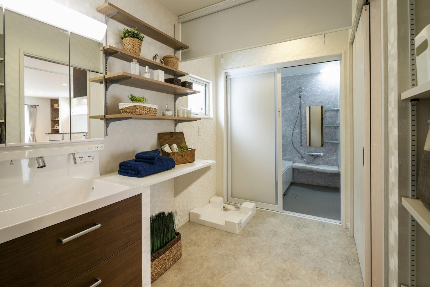 ハウスM21「各階で完結する収納計画が時間のゆとりをもたらす」ユーティリティ写真