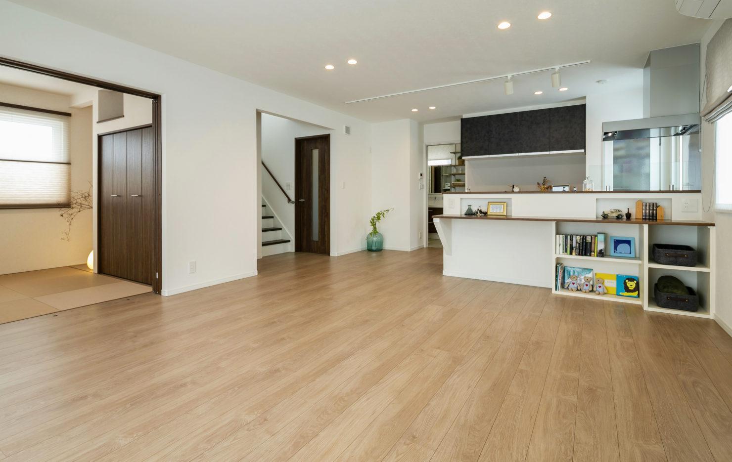 ハウスM21「各階で完結する収納計画が時間のゆとりをもたらす」リビング写真